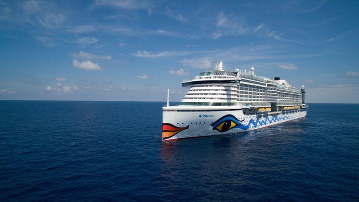 """1.643 Gästekabinen, 12 Restaurants, 18 Bars, 300 Meter Länge, 37,6 Meter Breite, 900 Besatzungsmitglieder: Die """"AIDAprima"""" ist ein Schiff der Superlative. Foto: obs/AIDA Cruises/AIDA Cruises/Steffen Bachmann"""