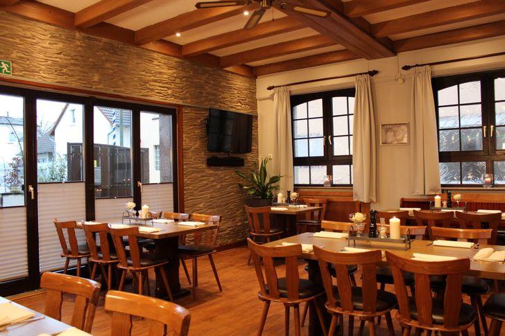 Frank Rosin sorgte außerdem für eine neue Inneneinrichtung: So sieht das Restaurant Ratskeller in Hanau heute aus. Foto: Zum Ratskeller, Hanau