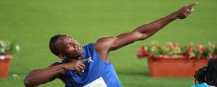 "Usain Bolt und seine ""Marken-Pose"". Foto: By Steven Zwerink (My hero: Usain Bolt) [<a href=""http://creativecommons.org/licenses/by-sa/2.0"">CC BY-SA 2.0</a>], <a href=""https://commons.wikimedia.org/wiki/File%3AUsain_Bolt_-_Golden_Gala_-_Rome%2C_Italy_-_26_May_2011.jpg"">via Wikimedia Commons</a>"